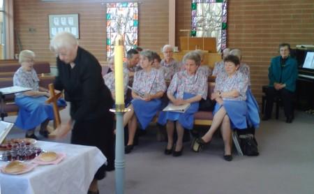 Waverley Singers as the table is set